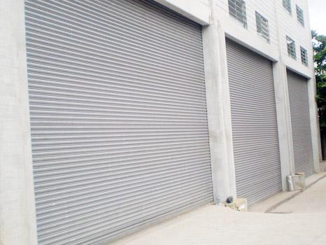 Porta de Aço de Enrolar Automática - Favaretto Portas - Porta de Rolo Automática - Porta de Enrolar no Pará - Porta de Enrolar em Campinas - SP - Porta de Enrolar em Ribeirão Preto - SP - Porta de Aço em Guarulhos - SP - Fábrica de Porta de Enrolar