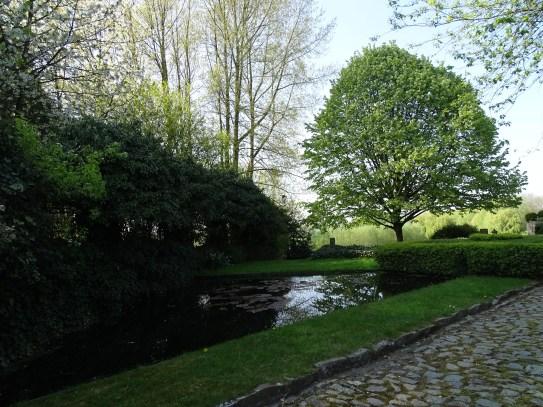 Des petits étangs vers l'entrée du Hameau de Favarge