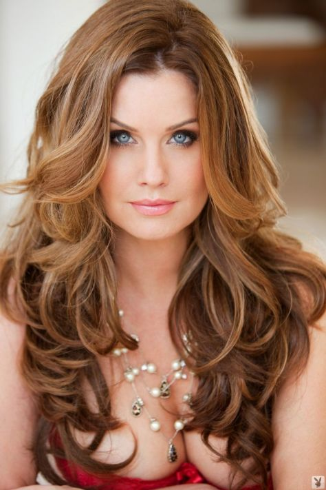 Beautiful Long Wavy Hairstyle