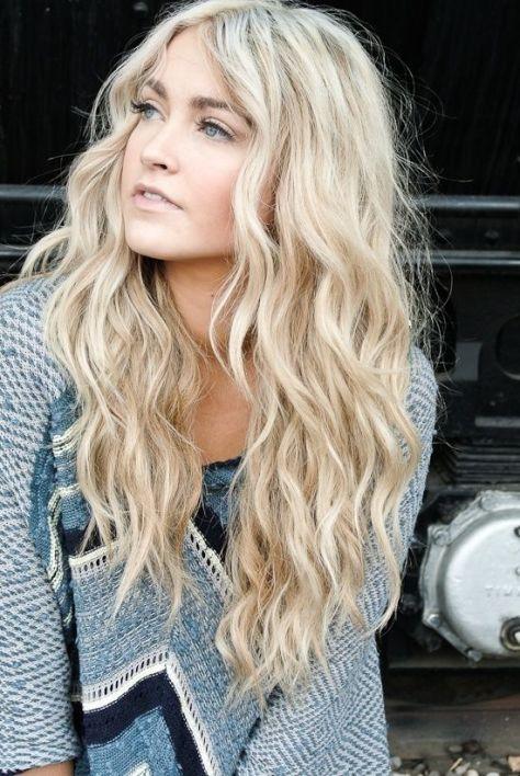 Long Blonde wavy hair