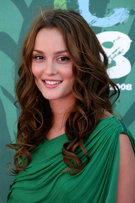 LOS ANGELES, CA - AUGUST 03: Actress Leighton Meester arrives at the 2008 Teen Choice Awards at Gibson Amphitheater on August 3, 2008 in Los Angeles, California. (Photo by Frazer Harrison/Getty Images)