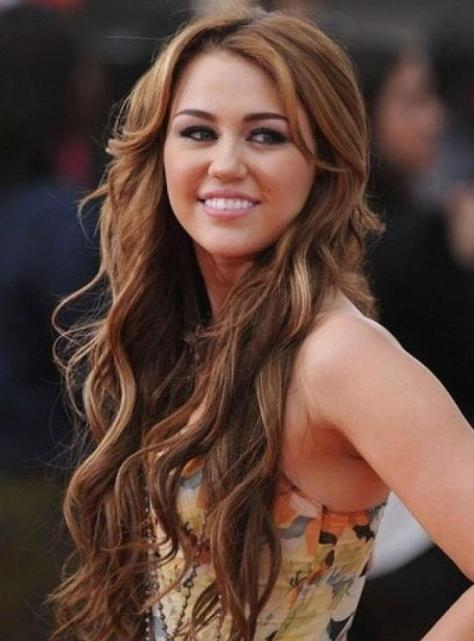 Miley Cyrus Long Hairstyle pics