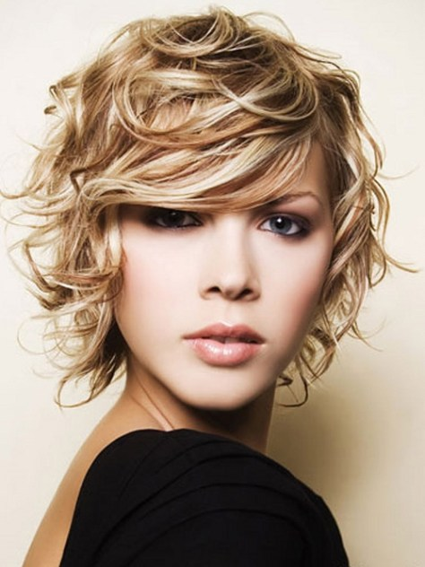 Short-Curly-Blonde-Hairstyles