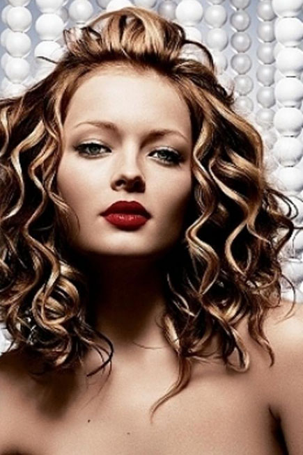 Summer Medium Length Hairstyles for Women