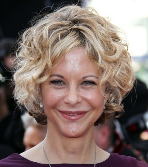 curly hairstyle for women over 40