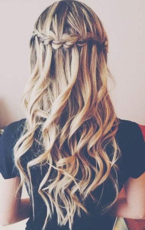 The waterfall braid on curls