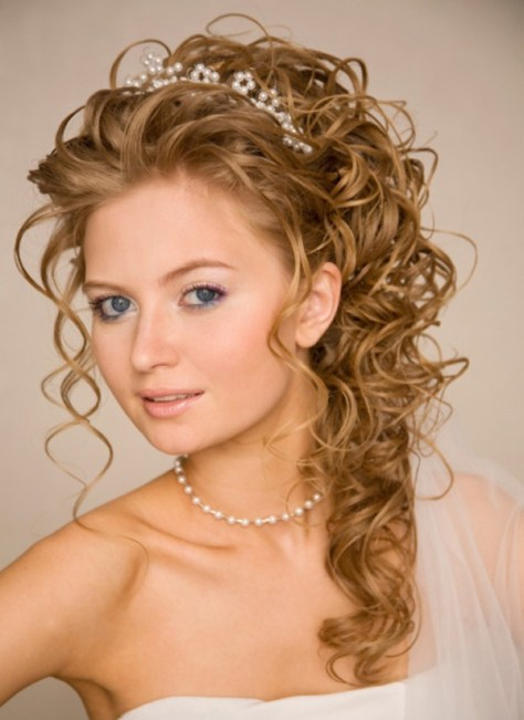 cute long hairstyles for curly hair