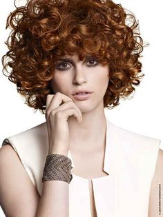 Classy Curly Hairstyles for Fall