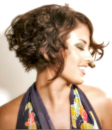 Hairstyles-for-short-naturally-wavy-hair