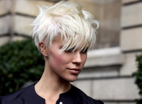 Undercut-hairstyle-women-short-hair