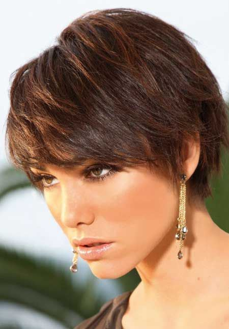 short-layered-hairstyle-for-thick-hair
