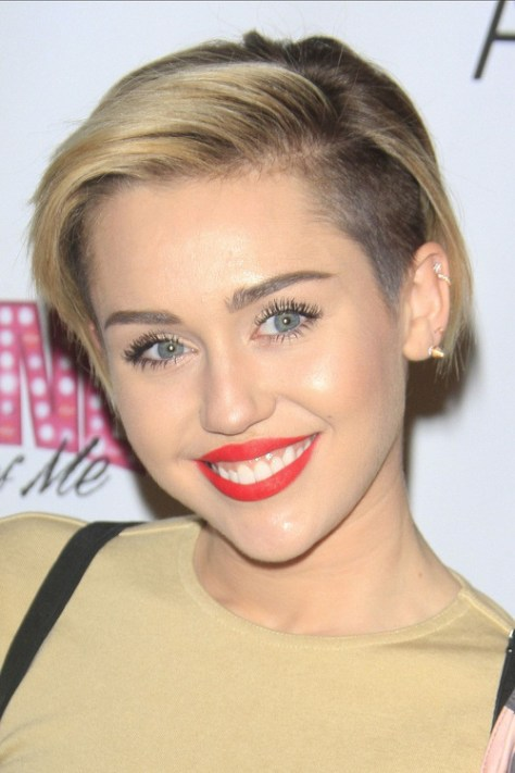 undercut-hairstyle-of-miley-cyrus