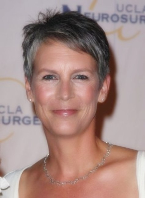 Short-Haircuts-for-Women-Over-50-With-Straight-Hair