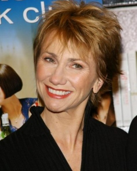 best-short-haircuts-for-women-over-50