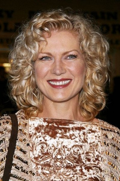 curly hairstyles for women over 50..
