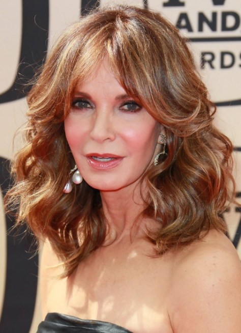 medium-layered-hairstyles-for-women-over-50