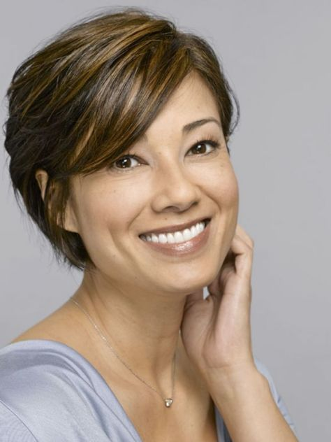 photos-of-short-hairstyles-for-women-over-50_3