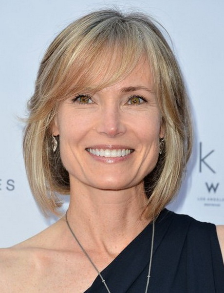 short-layered-haircuts-for-women-over-50-70-10
