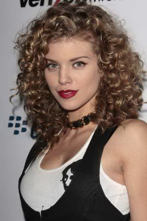 Curly Hairstyles for Stylish Girls