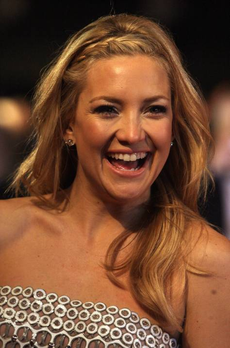 LONDON, ENGLAND - DECEMBER 03: Actress Kate Hudson attends the World Premiere of 'Nine' at Odeon Leicester Square on December 3, 2009 in London, England. (Photo by Chris Jackson/Getty Images)