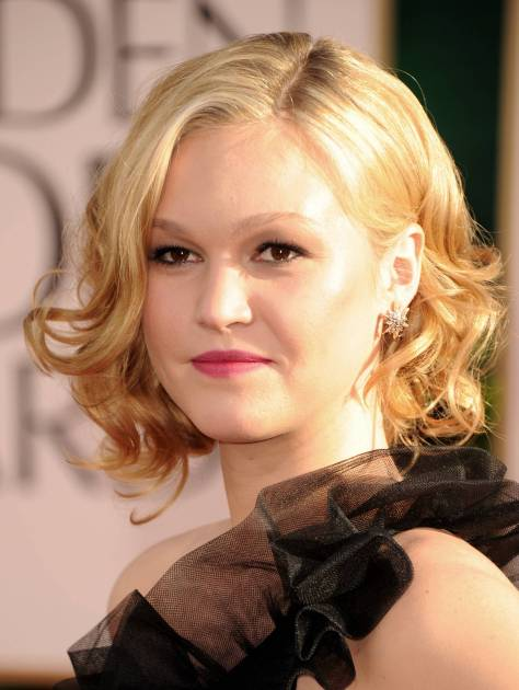 BEVERLY HILLS, CA - JANUARY 16: Actress Julia Stiles arrives at the 68th Annual Golden Globe Awards held at The Beverly Hilton hotel on January 16, 2011 in Beverly Hills, California. (Photo by Frazer Harrison/Getty Images)