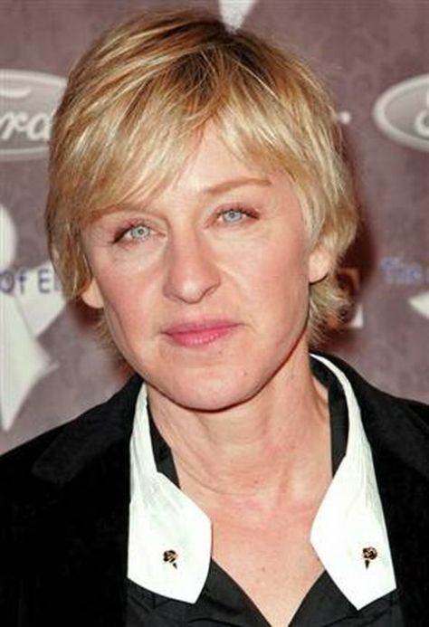 Short Hairstyles for Older Women with fine hairs