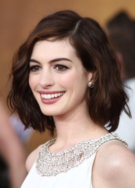 LOS ANGELES, CA - JANUARY 25: Actress Anne Hathaway arrives at the 15th Annual Screen Actors Guild Awards held at the Shrine Auditorium on January 25, 2009 in Los Angeles, California. (Photo by Alberto E. Rodriguez/Getty Images)