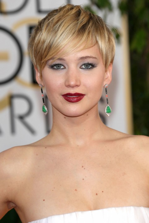 Flattering Short Hairstyles For Round Faces Page 1