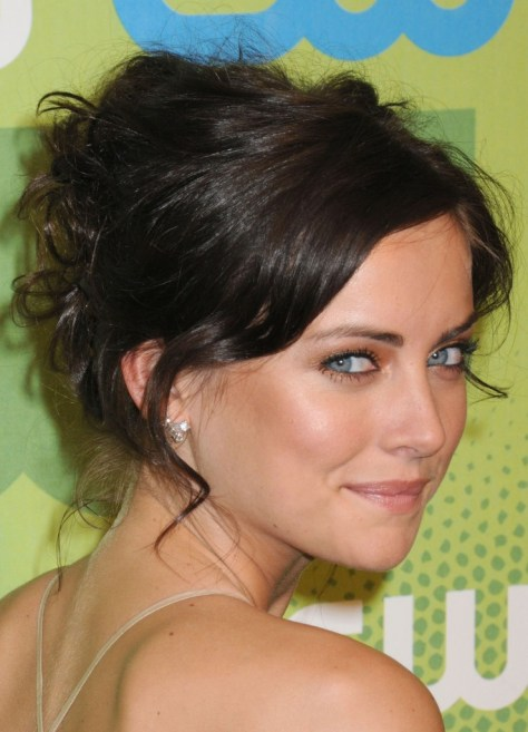 Messy Updo Hairstyles for Medium Lenght