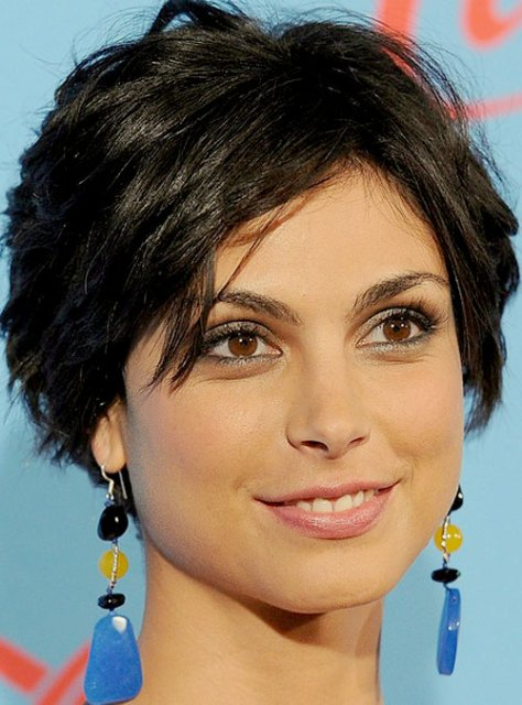 Morena Baccarin short layered haircut
