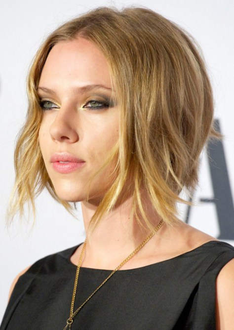 Scarlett Johansson short hairstyle for fine hair