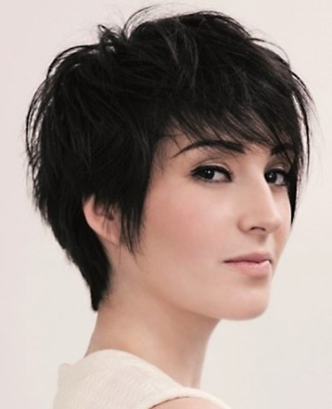 Short layered choppy haircuts trends