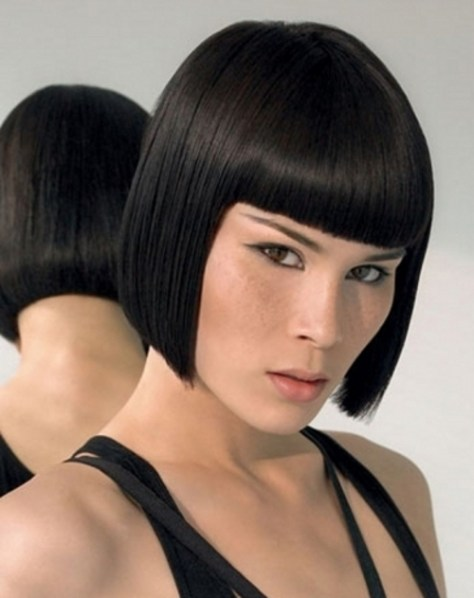 symmetric bob haircut with bangs