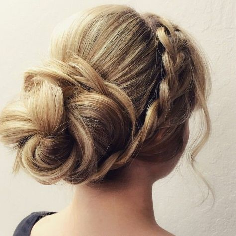 Wonderful Girls Prom Hairstyle 2016