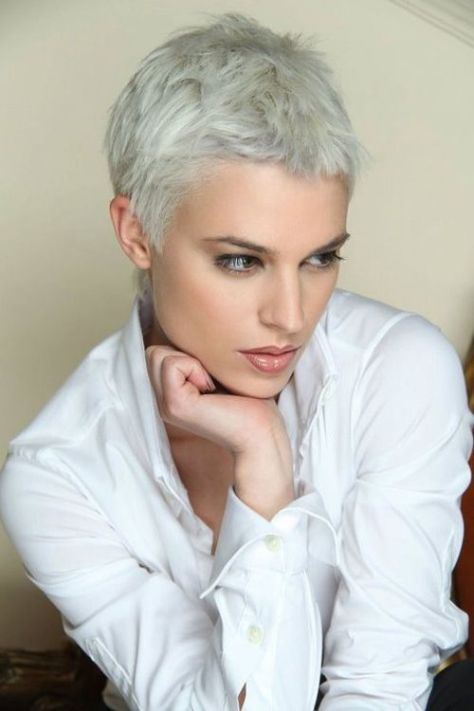 Pixie hairstyle for busy mothers and business women.