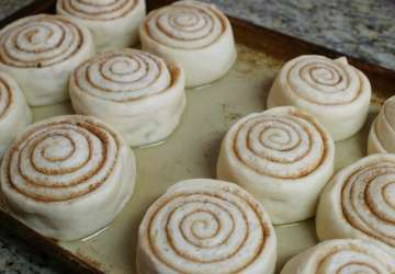 LDS Conference Cinnamon Roll Recipe | Favemom.com