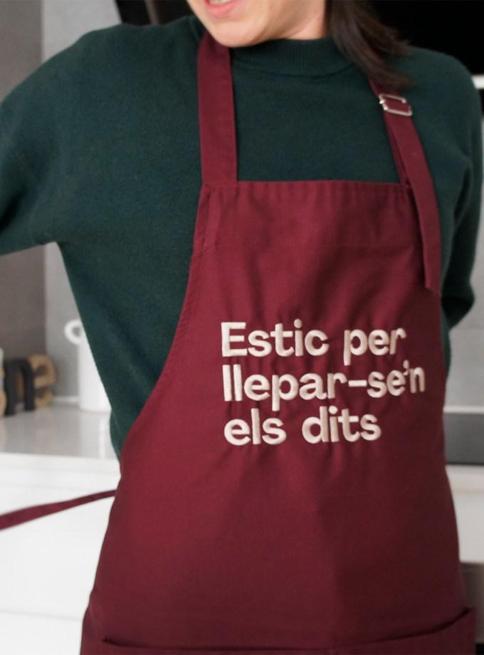 _0001_estic_per_lleparsen_els_dits_davantal_frases_catalanes_favescomptades