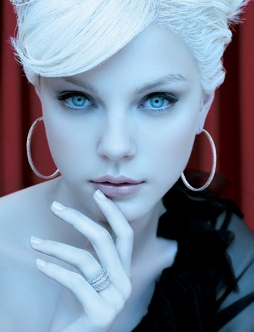 blue eyes fashion jessica stam model pale white image 9618 on favim