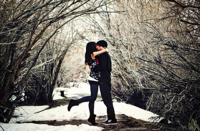 https://i1.wp.com/favim.com/orig/201108/12/boy-and-girl-cute-kiss-love-snow-Favim.com-121514.jpg