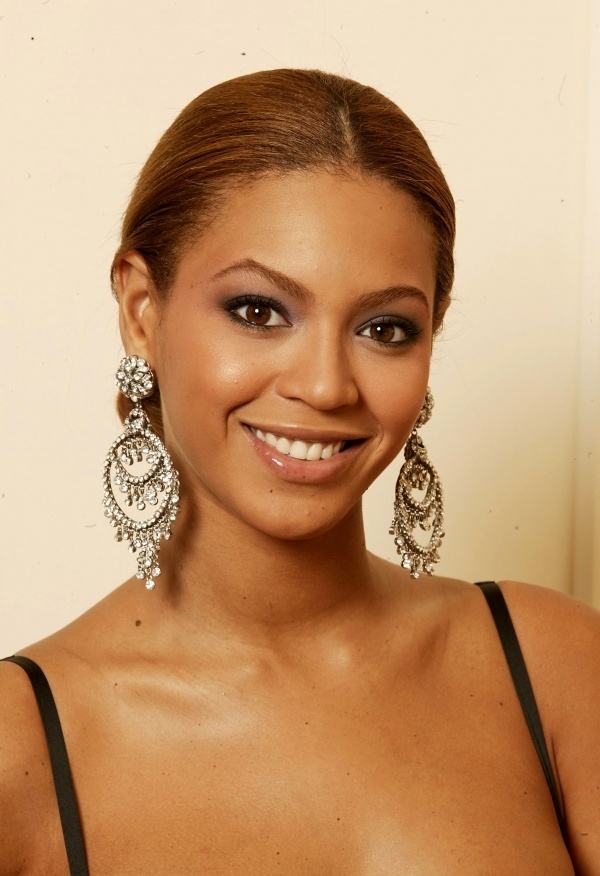 Beyonce Pictures Earrings Hairstyle Smile Pics Fav