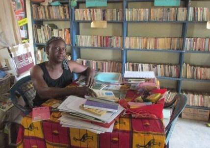 Gérante de la bibliothèque de Béréba