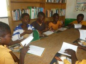 group reading kunkua 8