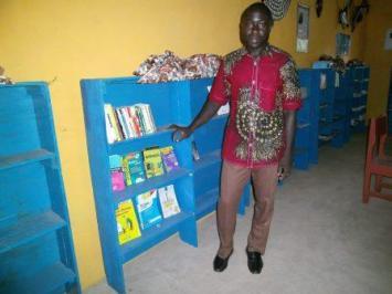 Un visiteur _ le professeur Fankani Isaie