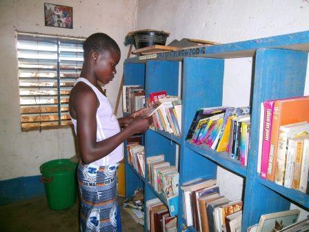 Une participante au club de lecture