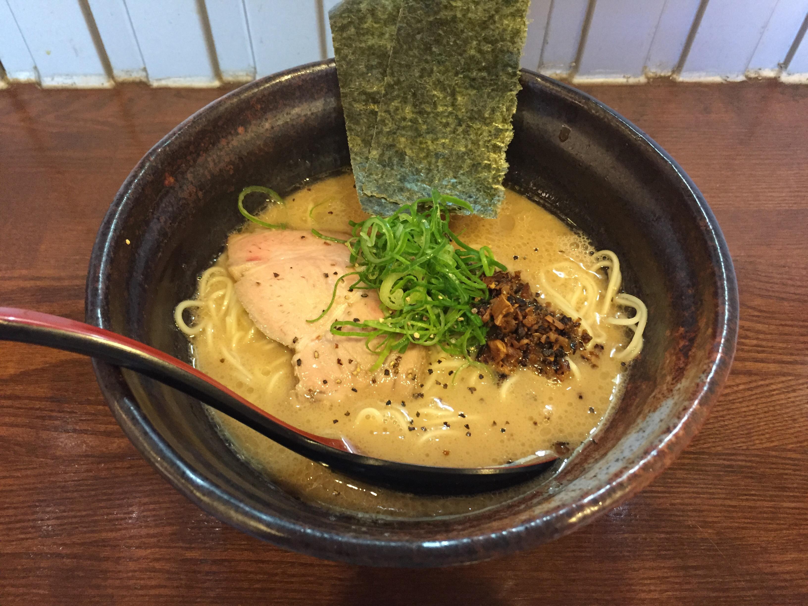 蒲田「麺場ながれぼし」 クセになるキノコ豚骨ラーメンは濃厚コク旨!