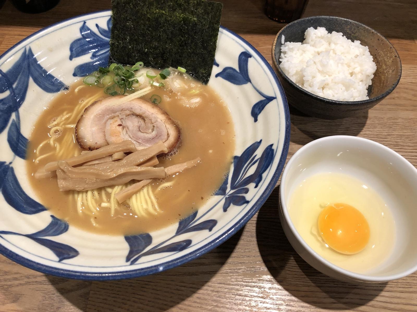 とろり濃厚スープに舌鼓。卵ご飯もうれしい!渋谷「麺屋ぬかじ」