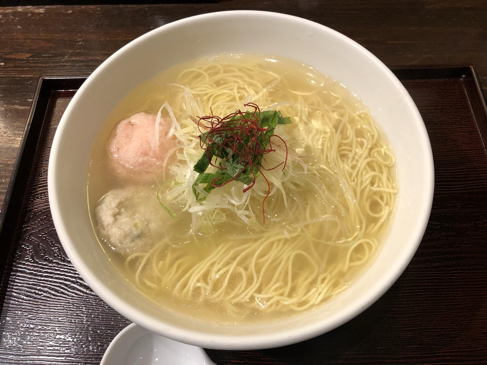 新鮮な魚のアラで毎日炊きあげる極上塩スープ!新宿「麺屋海神」