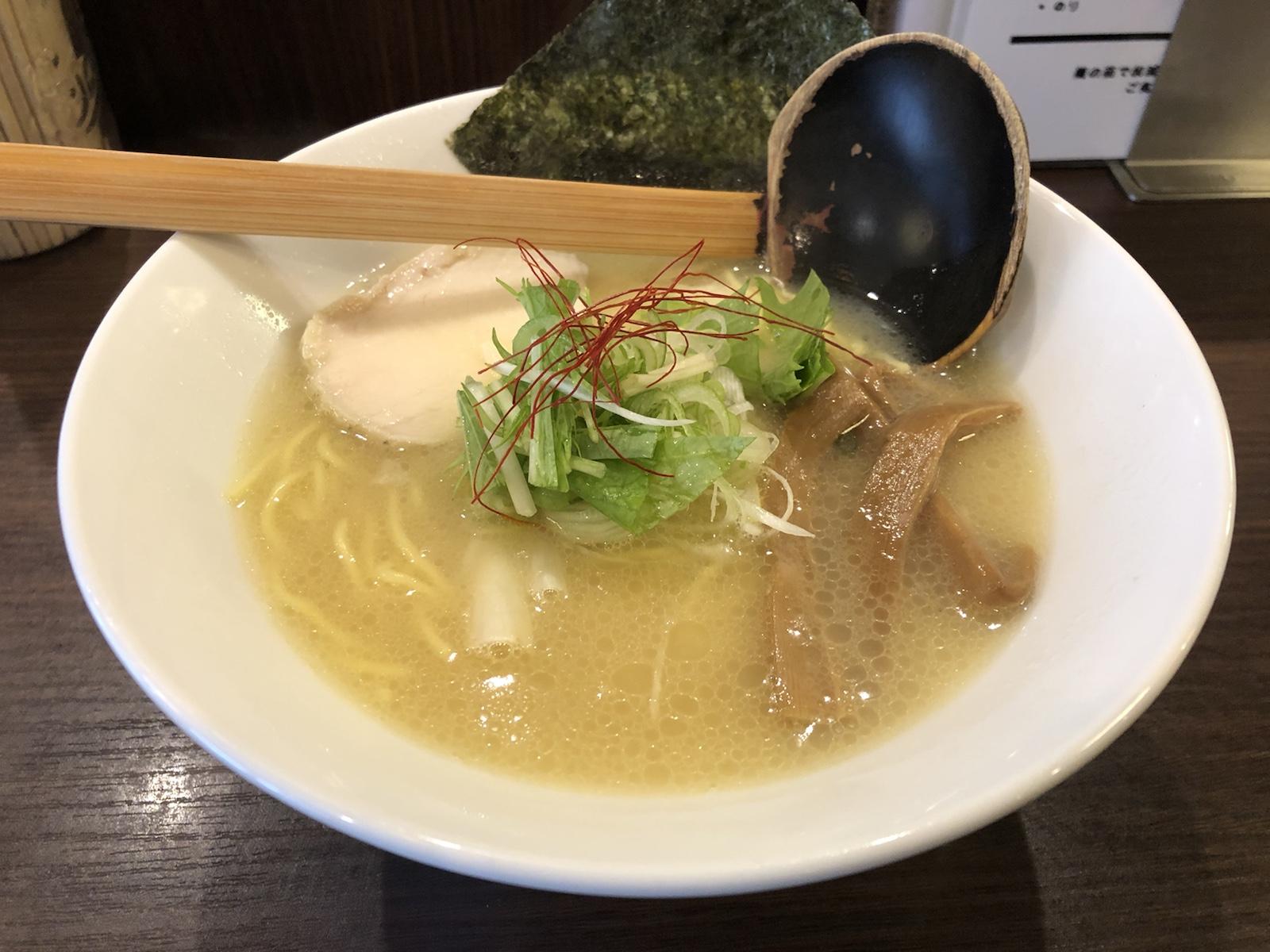 まろやかで優しい鶏白湯ラーメン!「TORISOBA雄(たけ)」