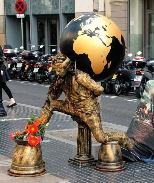 living_statues_around_the_world_01