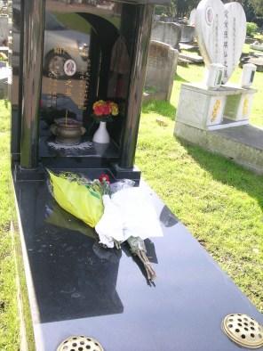new-southgate-crematorium-and-cemetery_2875289904_o